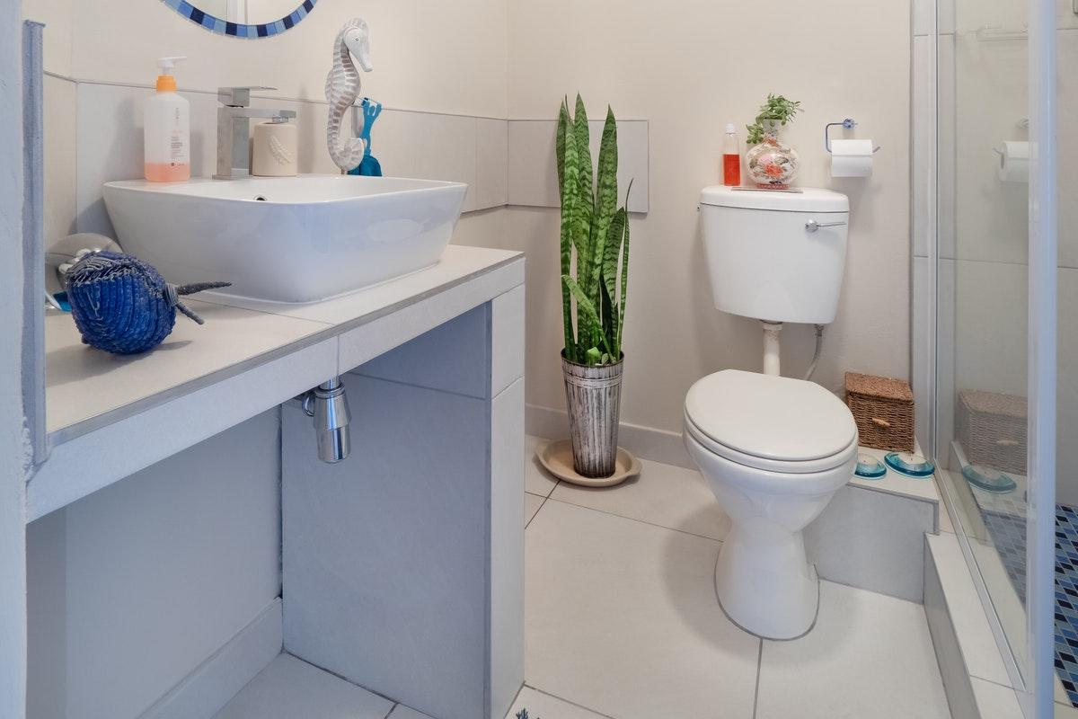 Is landlord responsible for leaking toilet realestateke